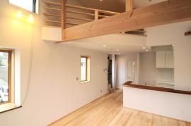 自然素材の無垢の家