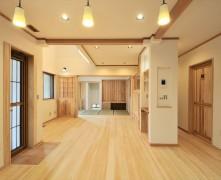 自然素材とパッシブ換気の無垢の家 H様邸