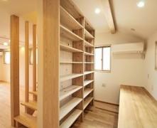 シンプルな間取りで快適に暮らす無垢の家 F様邸